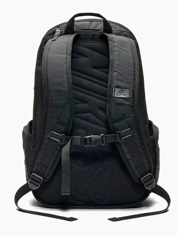 db6c4a1c5d Nike SB RPM - SOLID BLACK BLACK školský batoh   Swis-Shop.sk